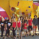 Photo de groupe, du club Escalade d'abord lors d'une compétition.
